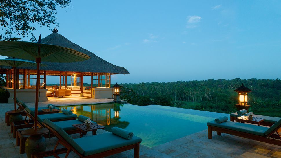 Luxury hotels in ubud 5 star and fabulously fancy for Small luxury beach hotels
