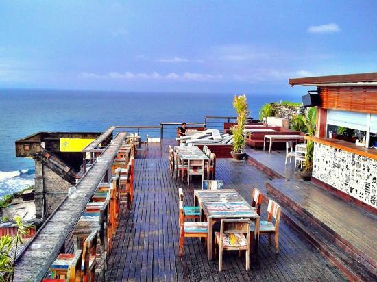 Blue Fin Restaurant And Bar