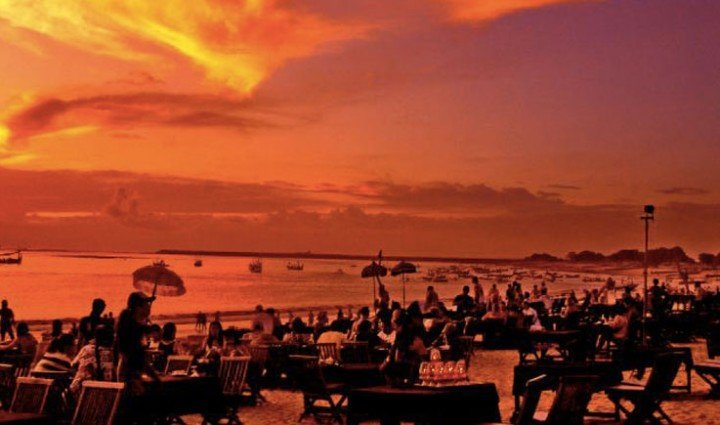 Jimbaran: 5 star resorts, luxury villas and seafood restaurants