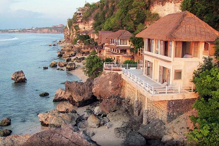 Villa Impossible - Bali surf villa