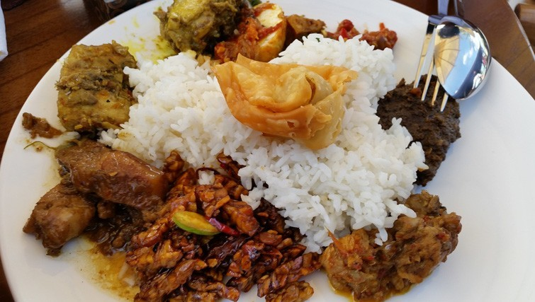 Nasi Campur. 'Di Roemah' ('At home') serves delicious and authentic Indonesian food.
