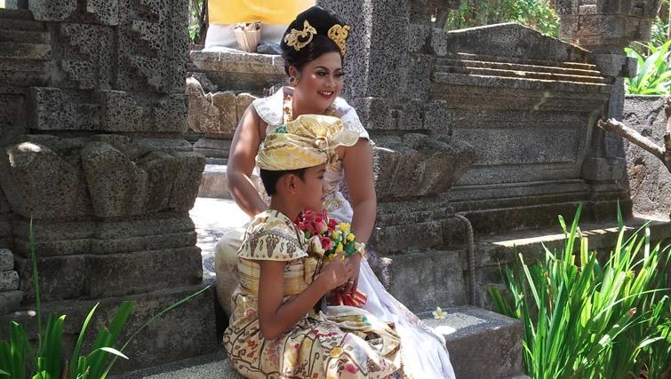 Mother and son weddinganniversary