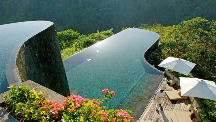 Award wining pool at Hanging Gardens Resort Ubud