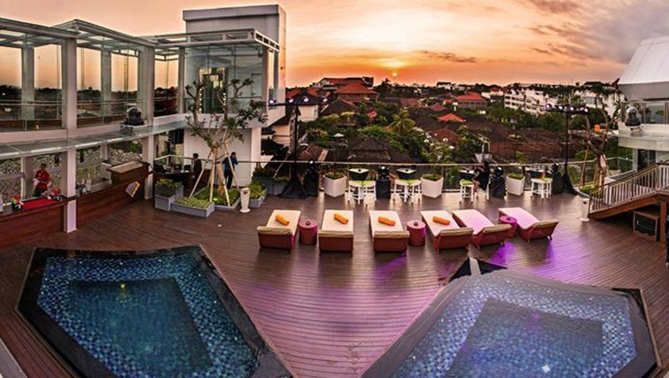 Love f Hotel Rooftop in Bali