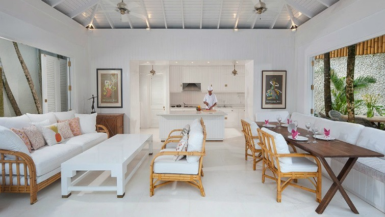 Fresh, crisp, white stunning villa living in Seminyak