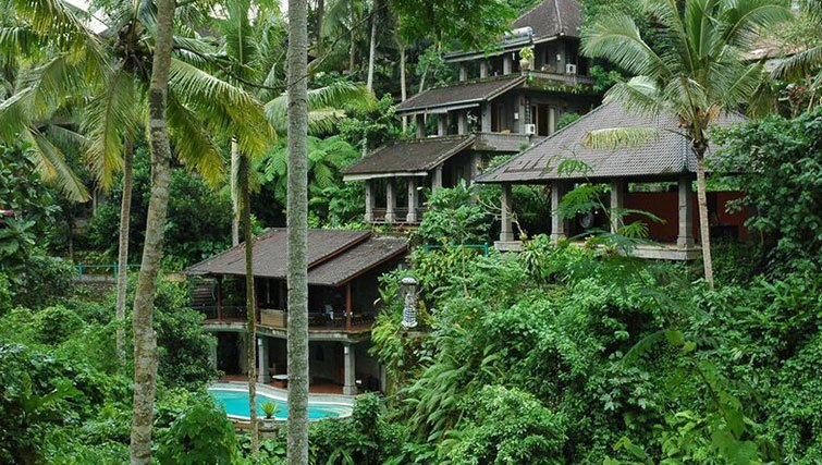 Retreating to the valleys of Ubud - the  lush setting of Oneworld Retreats.
