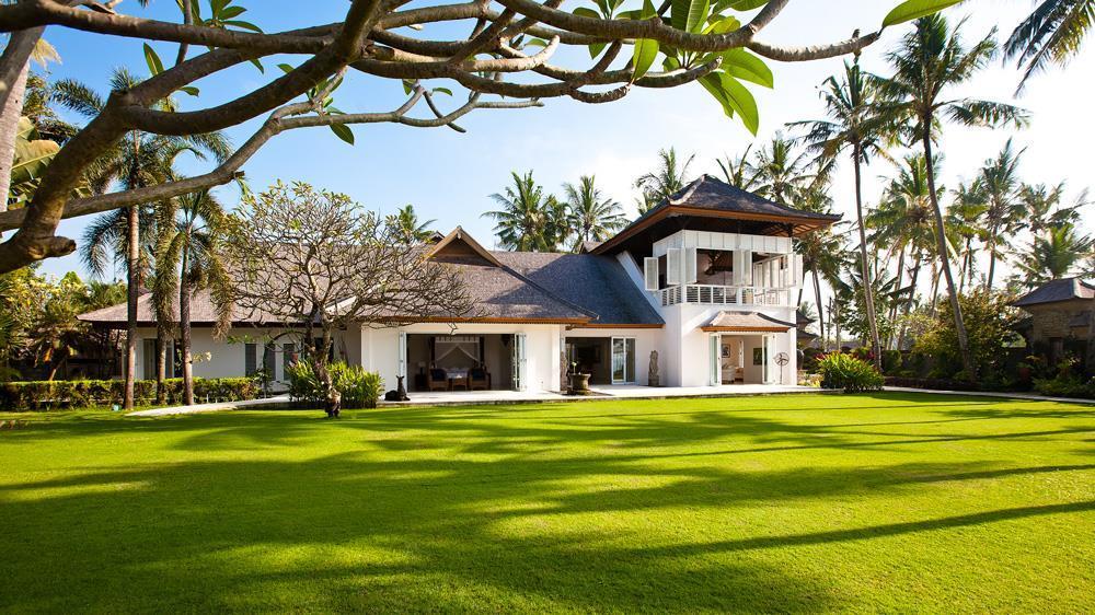 Sprawling lawn of Villa Puri Nirwana