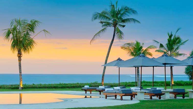Pool and sunset of Villa Atas Ombak a luxury villa in Bali